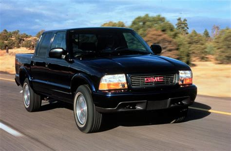 gmc sonoma 2004 gmc sonoma information and photos zombiedrive