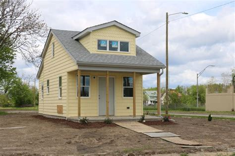 a community of tiny homes could help detroit s homeless tiny houses detroit six more tiny homes appear in detroit