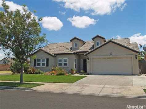 2262 trotter way turlock 3 00 beds 2 0 baths 1 425 sqft