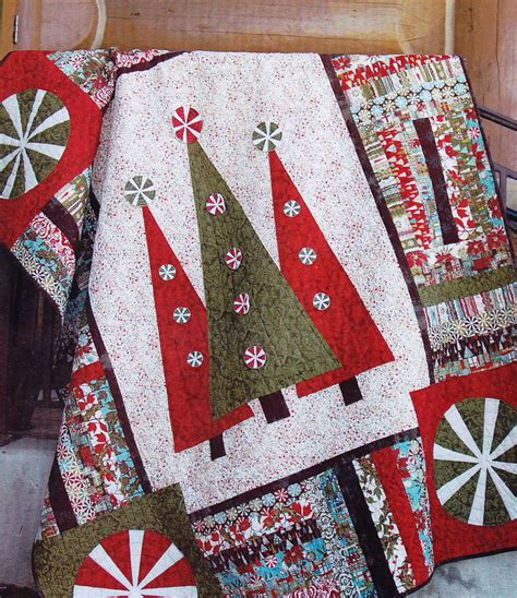 christmas patterns modern step into christmas fun pieced and applique modern quilt