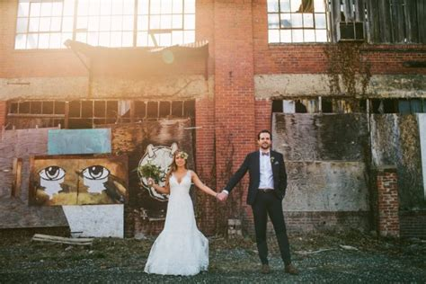 Modern Ohio Wedding at Strongwater   Junebug Weddings
