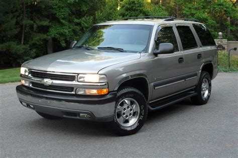 chevrolet tahoe ls wd leather seats  tires