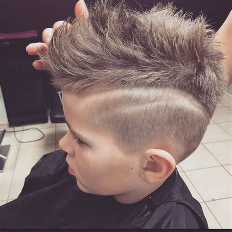 mohawk hair designs mohawk fade with line designs www imgkid com the image