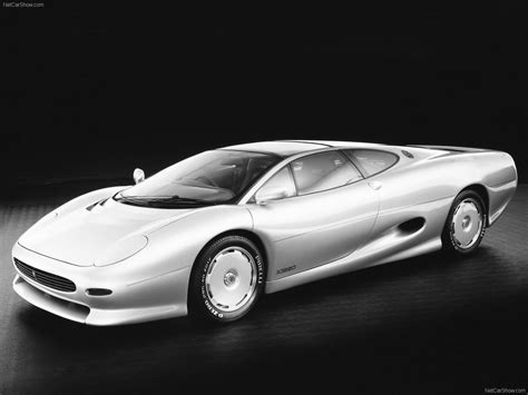Trac Off Light Toyota Corolla by Jaguar Xj220 Concept 1988