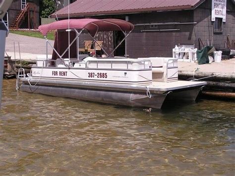 pontoon boat rental munising mi the top 10 things to do near pictured rocks national lakeshore