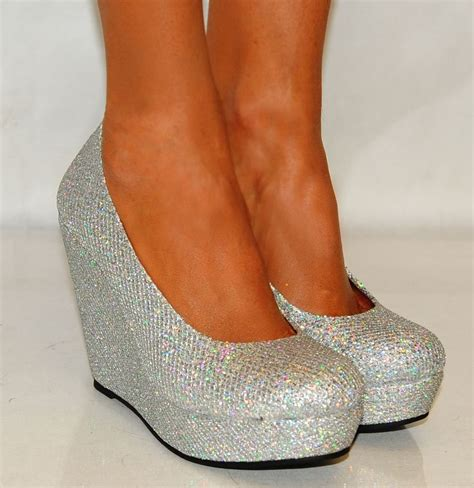 Sparkly Wedges For Wedding by 1000 Ideas About Silver Wedges On Silver