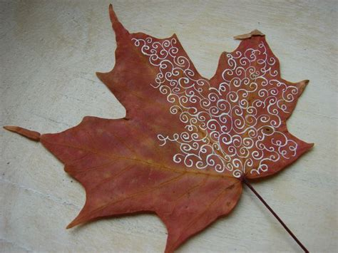 craft projects with leaves 8 creative diy project ideas for using fall leaves as