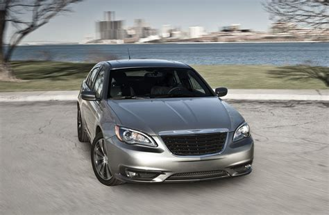 Chrysler 200 Sedan 2013 by Chrysler 200 Sed 225 N 2013 Refinado Y Moderno Lista De Carros