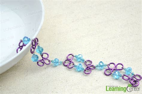 easy diy jewellery handmade bracelet out of bead and wire