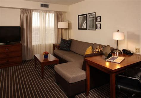Pennysaver Rooms For Rent by Residence Inn By Marriott Island Holtsville Hotel