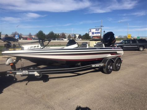 skeeter bass boat latches new fishing boats for sale bass boats lowe duckworth