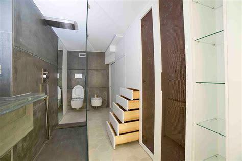 armadio attrezzato arredare un appartamento appartamento mansardato