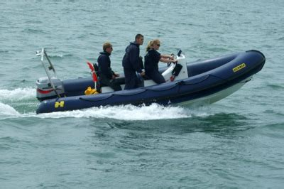 blue water powerboat level 2 beginners rya powerboat courses
