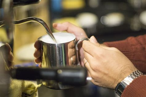how to froth milk with a steam wand