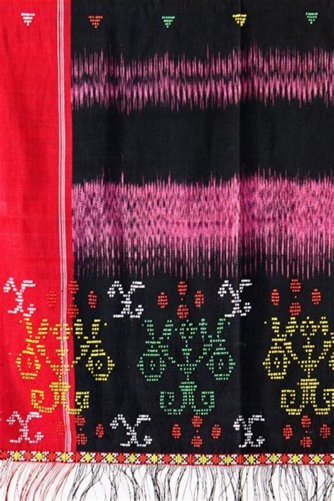 Songket Sadum Merah Tumpal Ulos 1000 Images About Indonesia Traditional Fabric On