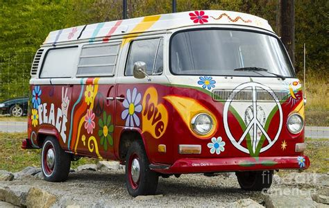 volkswagen furgone figli dei fiori 1960s vw hippie canvas print canvas by michael