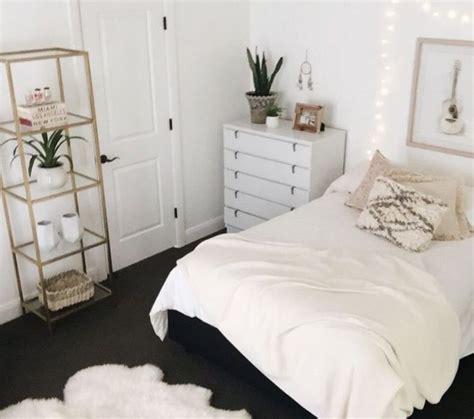 25 best ideas about tumblr bedroom on pinterest tumblr tumblr bedroom white bedroom design hjscondiments com