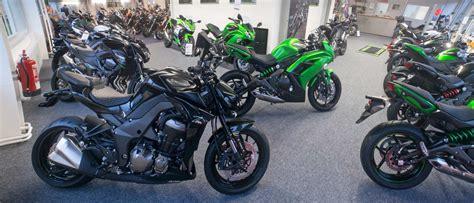 Suzuki Motorrad Händler In Hamburg by Suzuki Kawasaki Ausstellung Motorrad Fotos Motorrad Bilder