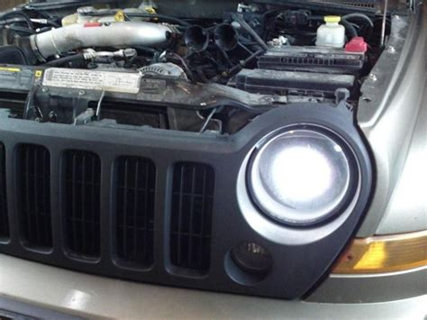 jeep liberty headlights the jeep liberty is a sports utility vehicle that came