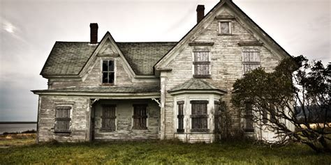 5 haunted historical houses you can visit this