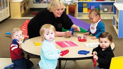 Bundling Dan Three Pigs Anak apa saja keuntungan pre school bagi anak usia 2 tahun
