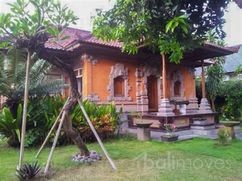 two bedroom house with beautiful garden sanur s local two bedroom balinese house with huge garden on 700m2 land