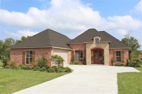 653452 country french 4 bedroom under 2000 square feet country plan 1 952 square feet 3 bedrooms 2 bathrooms