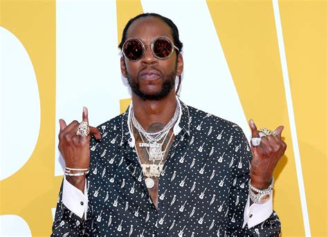 2 chainz trappy 2 chainz treats his pooch trappy to the most expensivest