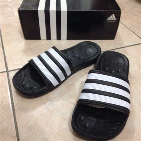 Harga Adidas Slip On jual adidas mungozoon hitam size 46 sendal slip on