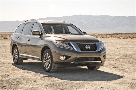 nissan crossover 2014 2014 nissan pathfinder sl 4x4 front three quarters photo 7