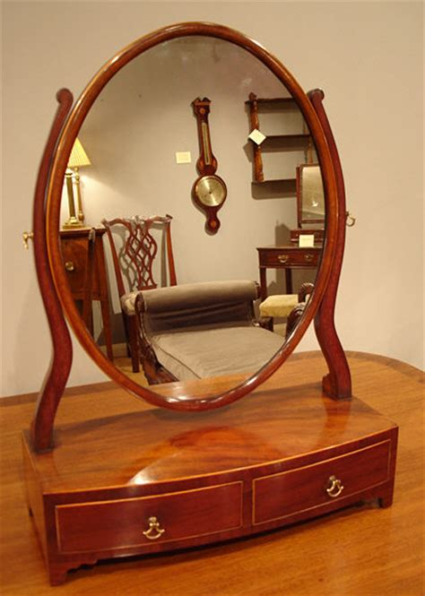 Antique oval dressing table mirror / Georgian bowfront