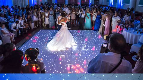 Wedding Entertainment by Top Wedding Entertainment Ideas For 2015