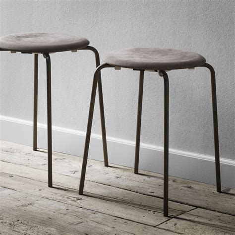 Arne Jacobsen Dot Stool by Fritz Hansen Dot Stool Arne Jacobsen