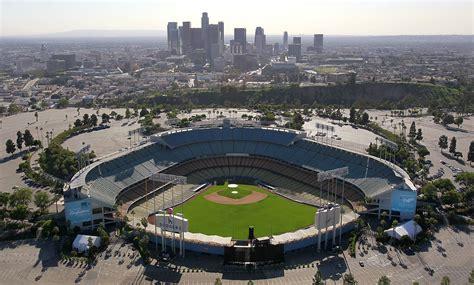 battle   ballparks cubs  dodgers   lost history  las  wrigley field