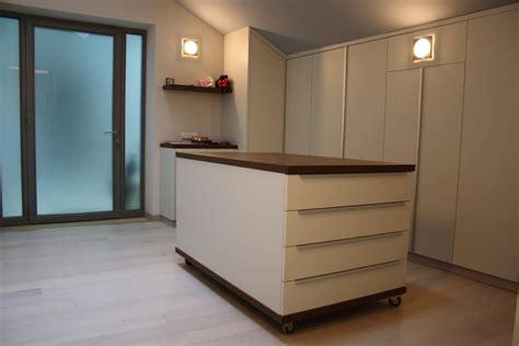 Cucine Moderne Per Mansarde by Scrivania Ribalta Ikea