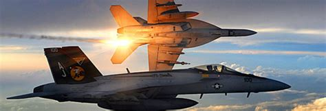 legacy hornets boeing s f a 18 a d hornets of the usn and usmc legends of warfare aviation books boeing f a 18e f hornet