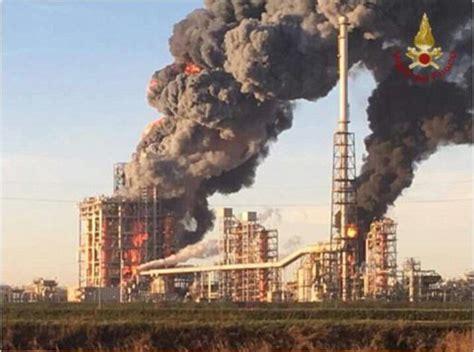 sannazzaro pavia of fire at the sannazzaro de burgondi refinery