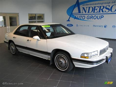 1992 bright white buick lesabre limited 16910388