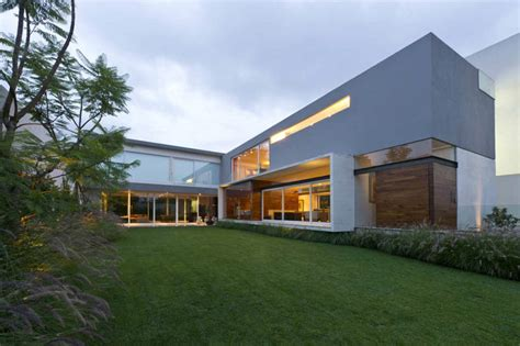 beach house las lomas i 05 by v 233 rtice arquitectos homedsgn gorgeous inward facing home in mexico city 30 pics