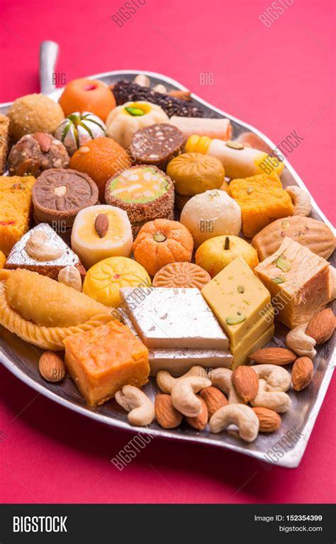 Large Plate 31 900 Per Pcs mix mithai or indian milk made favourite diwali