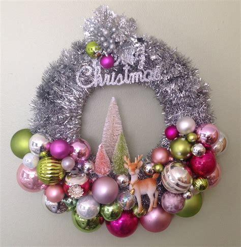 mid century christmas ornament wreath retro kitchy
