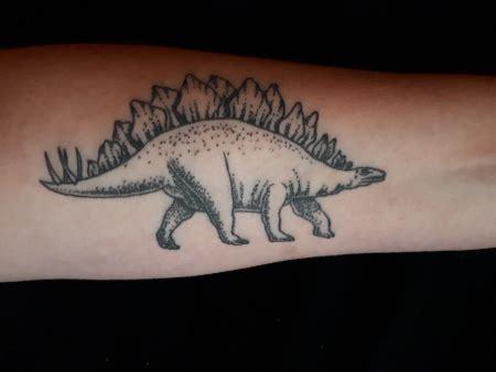 Auf Dem Unterarm by Amisuya Stegosaurus Auf Dem Unterarm Tattoos