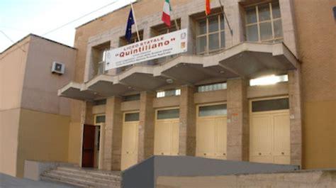 ufficio genio civile di siracusa crollo dell intonaco nella scuola di siracusa avviata la