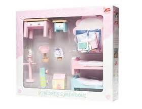 bay tree dolls house le toy van bay tree dolls house bargain bundle h107bd 163 224 99