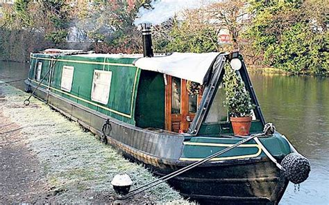 house boats to buy london voyage of discovery why you should buy a houseboat