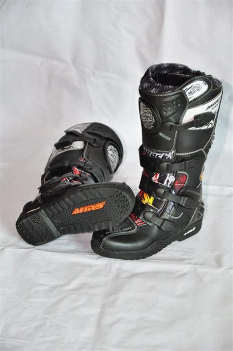 Sepatu Boot Karet Yang Bagus ragam pilihan sepatu adventure pilih sesuai selera dan