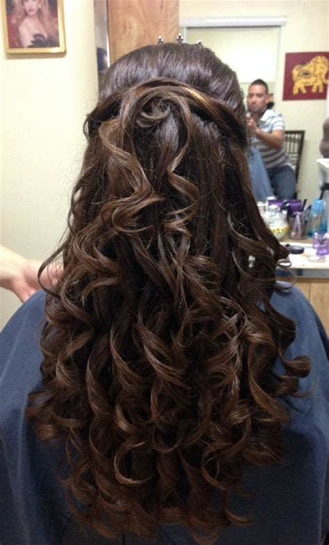 quince hairstyles curly hair 17 best images about quinceanera on pinterest tiaras