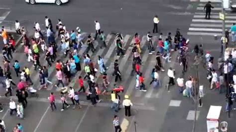 aglomeraciones urbanas youtube mancha humana urbana interactuando sin tocarse humberto