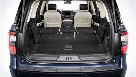 ford expedition 2018 interior 2018 ford expedition is bigger ecoboostier aluminumier