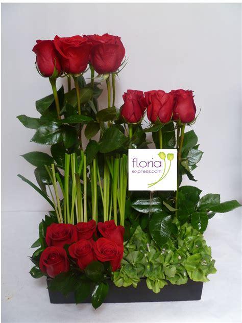un jardin de rosas rojas jard 237 n de rosas rojas 18 rosas rojas en varios niveles